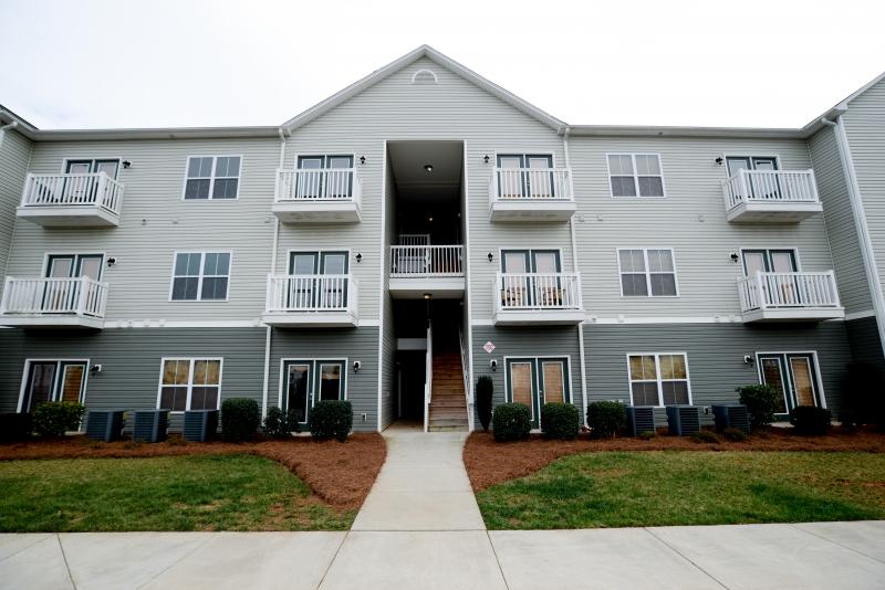 EmilieCarolGardensAtAnthonyHouse 66 e1544139319543 - The Gardens At Anthony House Apartments Greensboro Nc